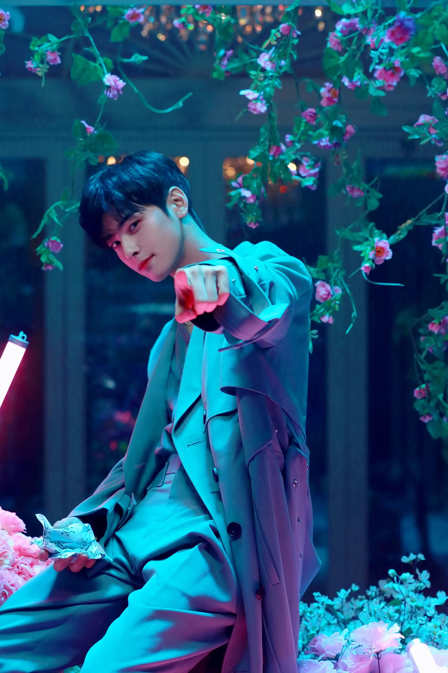 Astro (South Korean band) वॉलपेपर titled 'All Night' MV behind - Eunwoo. '