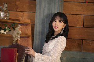 'Sunrise' MV behind - Eunha