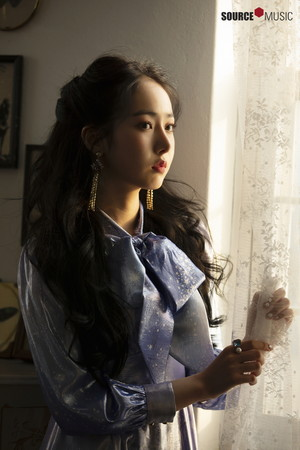 'Sunrise' MV behind - SinB