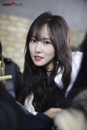 'Sunrise' MV behind - Yuju