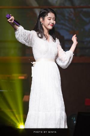 190105 IU 10th Anniversary 'DLWLRMA' Curtain Call Concert in Jeju
