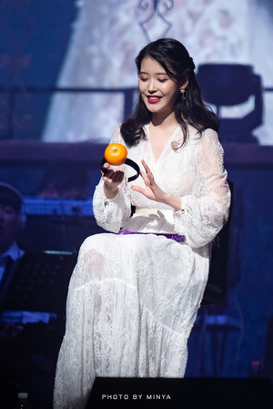 190105 IU's 10th Anniversary 'DLWLRMA' Curtain Call کنسرٹ in Jeju