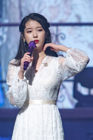 190105 IU's 10th Anniversary 'DLWLRMA' Curtain Call konsiyerto in Jeju