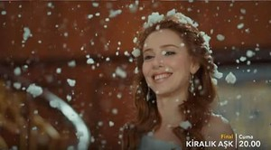 Elcin Sangu in Kiralik Ask series finale