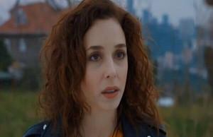 Elif Sonmez as Jale
