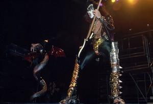 চুম্বন (NYC) December 14-16, 1977