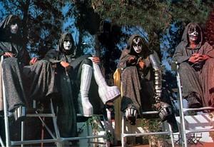 Ciuman ~Valencia, California…May 11-15, 1978 (KISS Meets the Phantom of the Park)