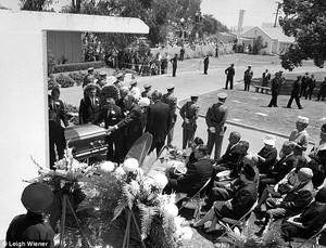 MarilyMarilyn's Funeral Back.In 1962