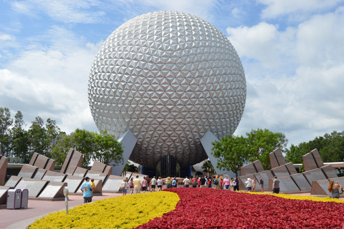Walt Disney Theme Parks wallpaper entitled Spaceship Earth (Epcot)