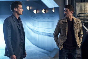 "The Flash 5.11 ""Seeing Red"" Promotional Images ⚡️"