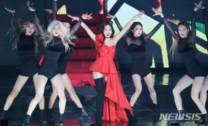 Jennie at Gaon Chart Musik Awards 2019