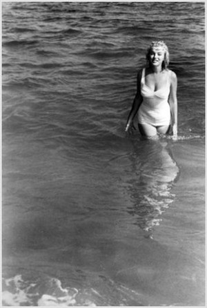 Marilyn At The playa