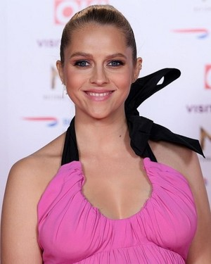 """Teresa Palmer attends the National Телевидение Awards 2019, her Показать """"A Discover of Witches"""" is n"""