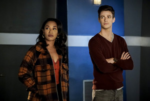 "The Flash 5.12 ""Memorabilia"" Promotional Images ⚡️"