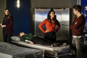 """The Flash 5.12 """"Memorabilia"""" Promotional Bilder ⚡️"""