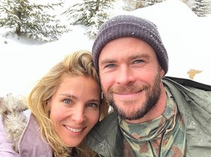 Chris and Elsa...snow in amor