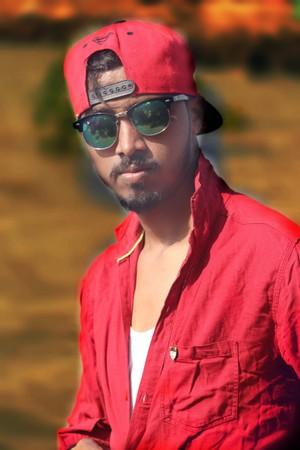 Red شرٹ, قمیض Look Model