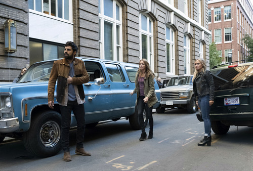 """The Gifted (TV Series) 바탕화면 entitled The Gifted """"calaMity"""" (2x14) promotional picture"""