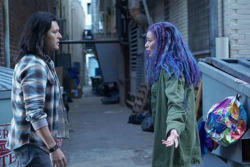 """The Gifted (TV Series) 바탕화면 titled The Gifted """"calaMity"""" (2x14) promotional picture"""