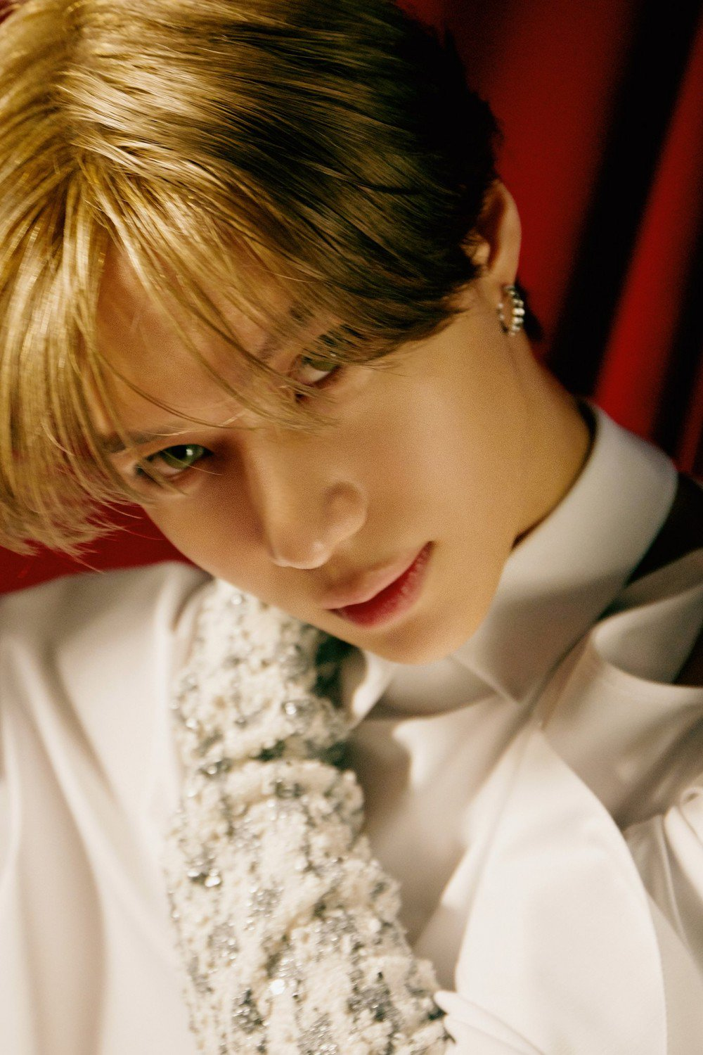 Taemin shows off his elegant visuals as he prepares for