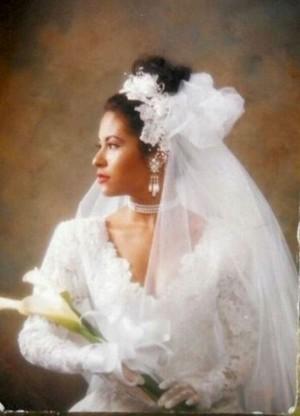 Selena Wedding 겉옷, 가운