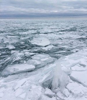 ❄️ Lake Michigan in winter ❄️