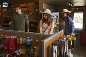 1x01 - Pilot - Mike, Rio and Constance