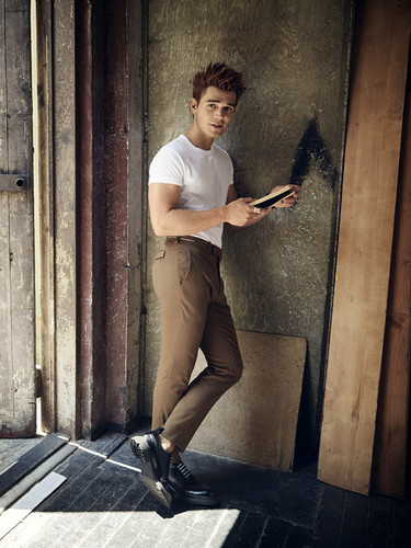 Riverdale (2017 TV series) 壁紙 entitled KJ Apa photographed によって Doug Inglish for GQ Style (2018)