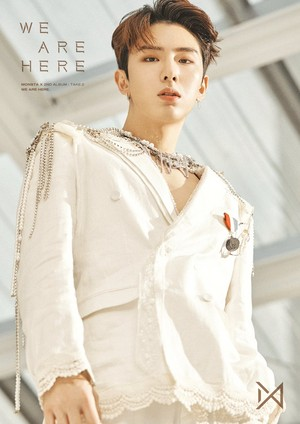 'WE ARE HERE' Concept foto #2