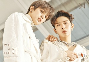 'WE ARE HERE' Concept تصویر #2