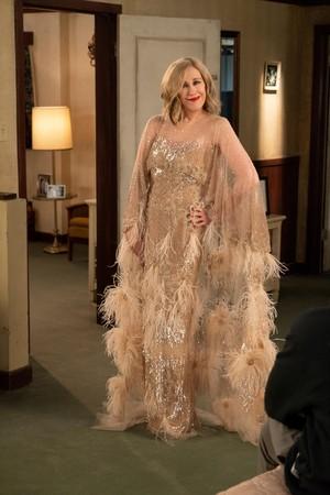 5x04 'The Dress' Episode Still