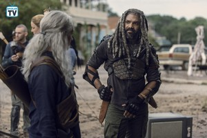 9x11 ~ Bounty ~ Ezekiel and Carol