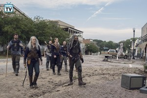 9x11 ~ Bounty ~ Carol, Ezekiel and Dianne