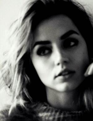 Ana ~ Vogue (2017)