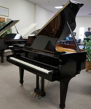 Baby Grand 钢琴