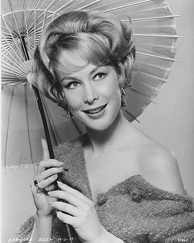 Barbara Eden Hintergrund entitled Barbara Eden