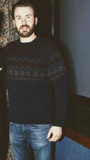 Chris Evans   sweaters