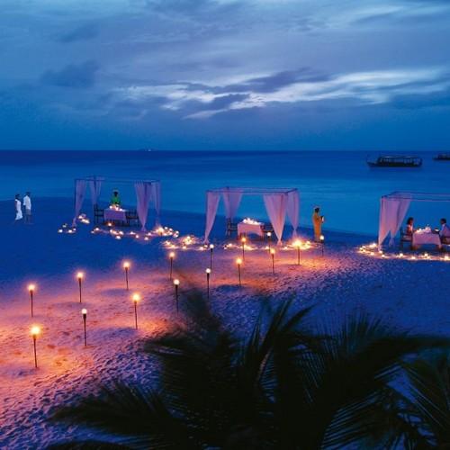 Maldives Hintergrund entitled Diamonds Athuruga, Maldives