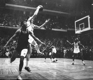 Havlicek چرا لیا, چوری کی The Ball! - Game 7 1965 Eastern Division Finals