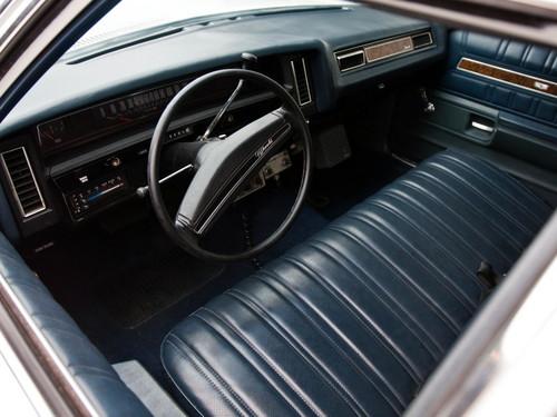 Beautiful Things 壁纸 titled Interior 1973 Chevy Impala Sedan