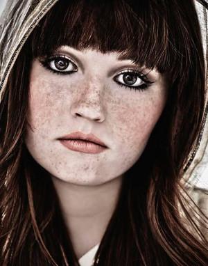 Kaitlyn Dever - VVV Photoshoot - 2016