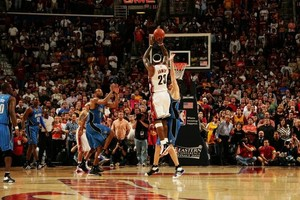 LeBron James' Three-Point Buzzer-Beater - Game 2 2009 Eastern Conference Finals