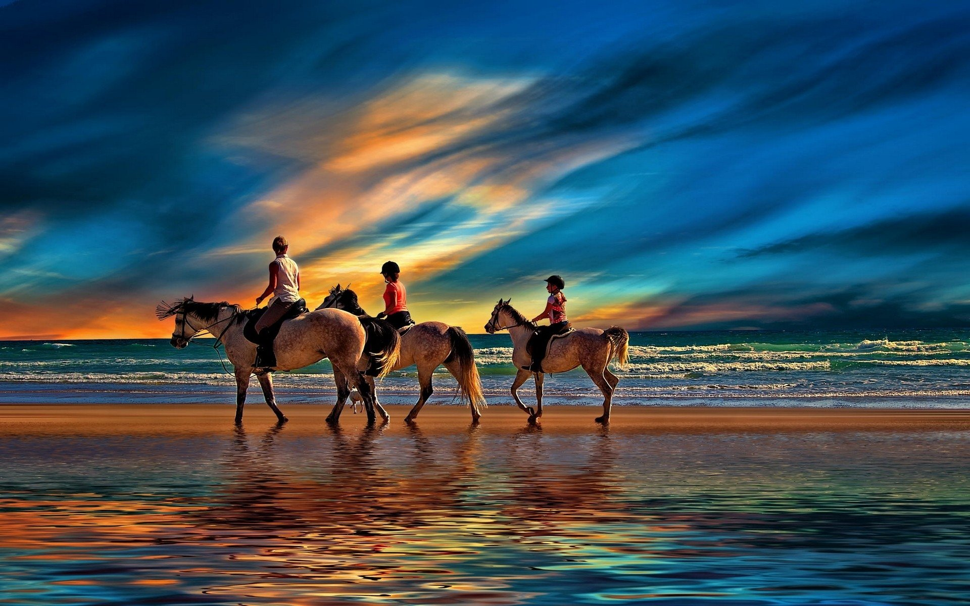 Riding on the plage