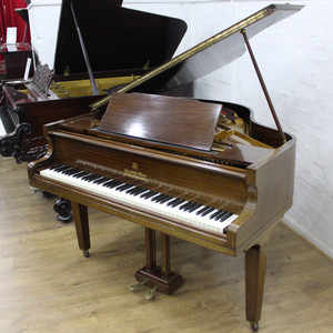 Rose Mahogany Baby Grand ピアノ