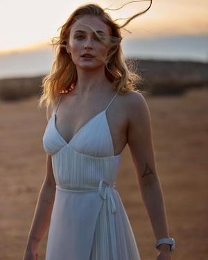 Sophie Turner ~ Louis Vuitton Tambour Horizon Campaign ~ February 2019