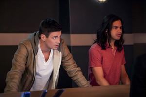 "The Flash 5.15 ""King شارک vs Gorilla Grodd"" Promotional تصاویر ⚡️"