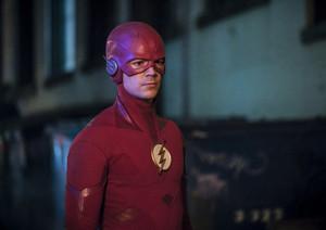 "The Flash 5.16 ""Failure Is An Orphan"" Promotional تصاویر ⚡️"