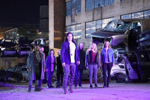 """The Gifted (TV Series) 바탕화면 called The Gifted """"oMens"""" (2x16) promotional picture"""