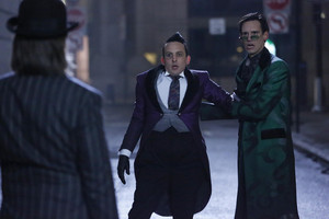 5x12 - The Beginning - manchot, pingouin and Riddler