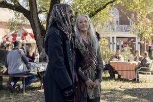 9x15 ~ The Calm Before ~ Carol and Ezekiel